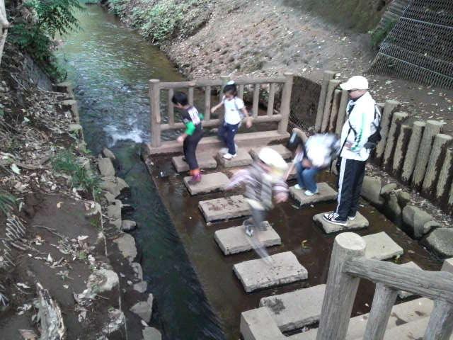 歩き水遊び.JPG