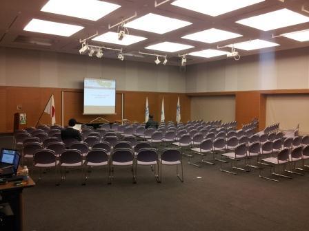 公開討論会 会場開会前.jpg