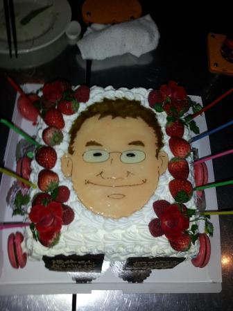 誕生日ケーキ顔.jpg