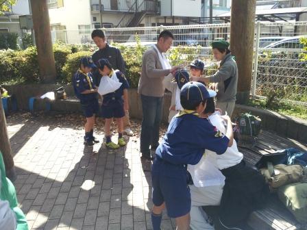 防災 三角巾実践①.jpg